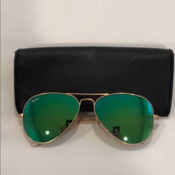 Gently used ray ban aviators with green lenses